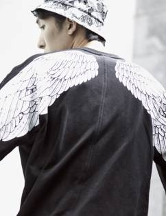 [Book On The Park] WINGS SWEATSHIRTS